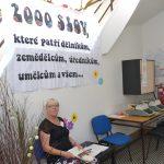 Akce byla inspirována především manifestem 2 000 slov, čemuž napovídala i výzdoba budovy