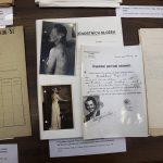 Výstavka archiválií vztahujících se k rodině Soni Červené, která v budově Na Struze 3 ve třicátých a v první polovině čtyřicátých let bydlela