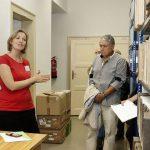Návštěvníci se dostali i do prostor depozitáře, kde jim odborný výklad poskytla archivářka Xenie Penížková