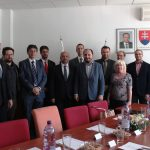 Společná fotografie účastníků setkání zástupců ABS a ÚSTR s kolegy z ÚPN
