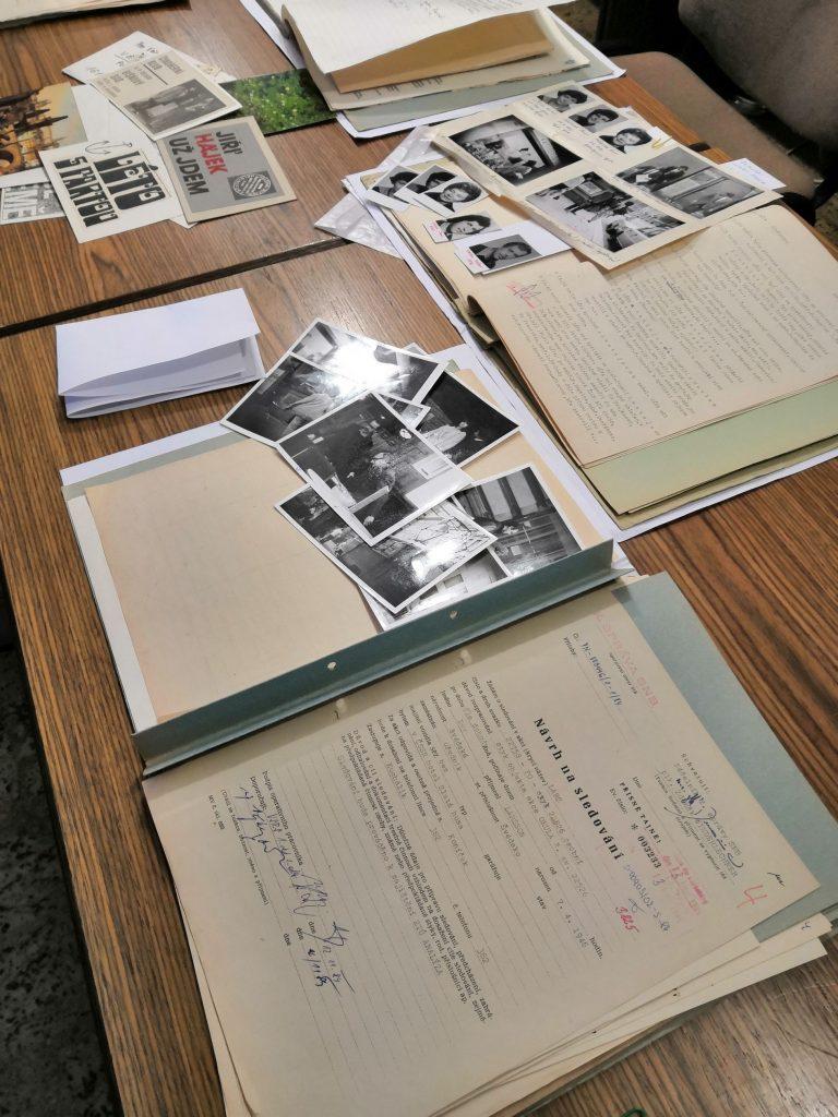 Ukázka vystavených archiválií k Václavu Havlovi, ABS