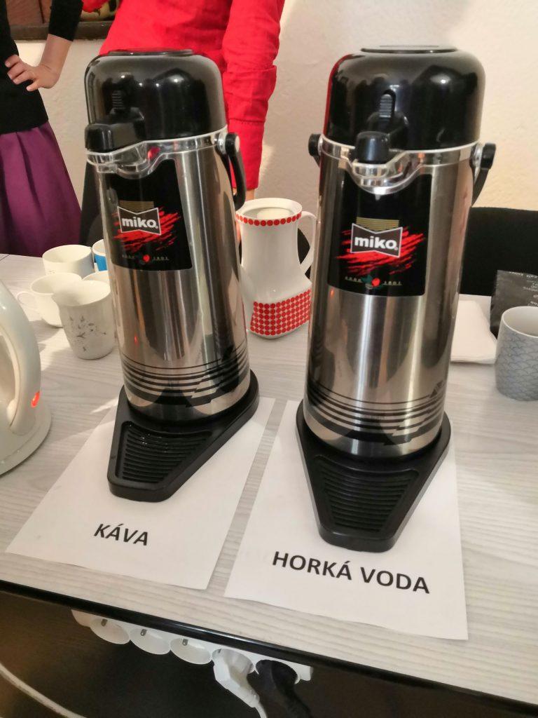 K dispozici byla také káva